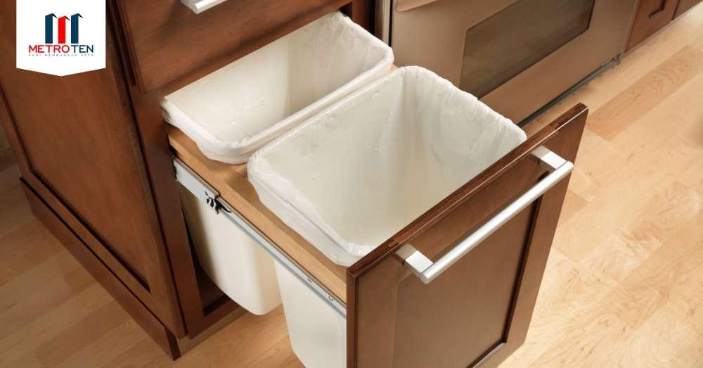 Image Bersihkan tempat sampah di dapur Anda!