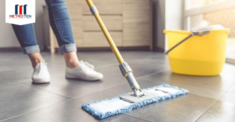 Image Biasakan yuk menyapu dan mengepel lantai rumah Anda setiap hari!